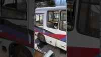 2020-04-01. Горловка. Повреждены автобусы-200